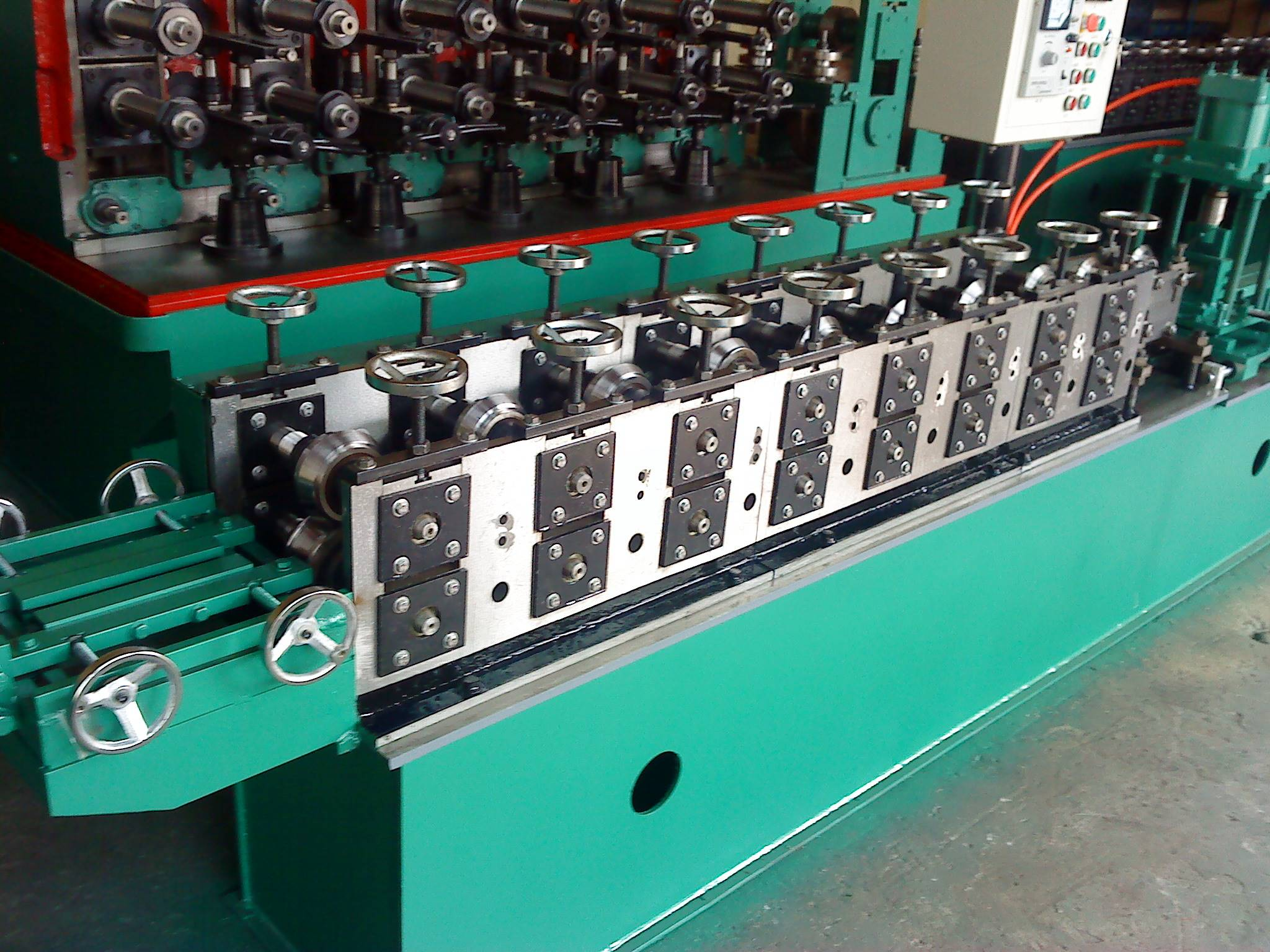 2017 wholesale price Square Shaped Forming Machine - The popular full automatic T grid machine – Zhongtuo