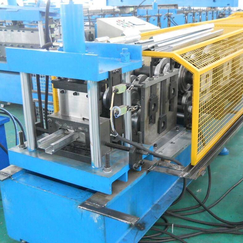 Chinese Professional Water Pipe Making Machine - Fully automatic door frame making machine – Zhongtuo