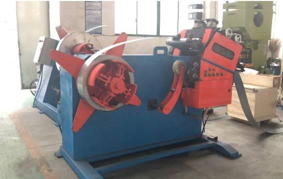 hydraulic decoiler with the servo coil feeder