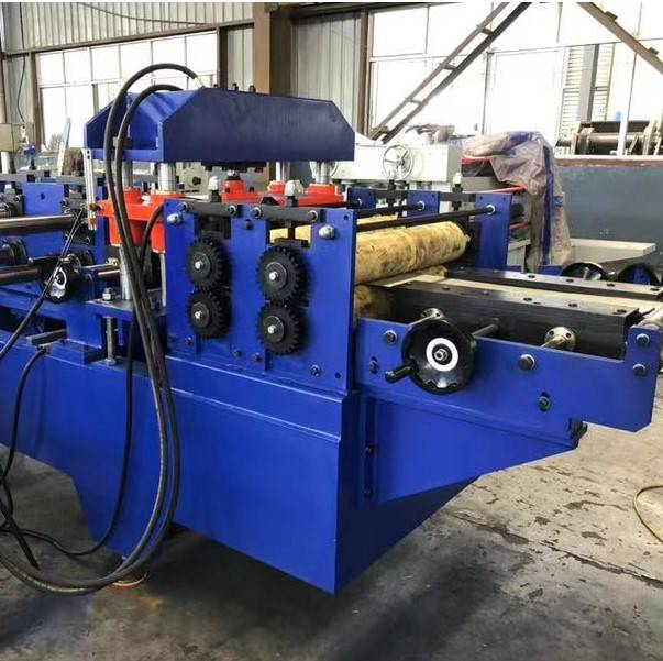 Metal wall cladding rolling forming machine